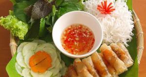 Giới thiệu món ăn nổi tiếng chả ram tôm đất Bình Định hình 1